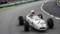 """Max Verstappen test winnende Honda uit 1965: """"Hij heeft zelfs geen gordels"""""""
