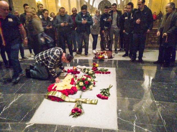 Spaanse dictator Francisco Franco wordt opgegraven