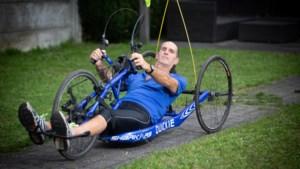 Luc schakelde door MS over naar handbikerace van Dwars Door Hasselt