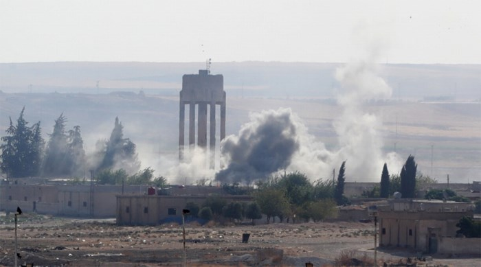 """""""Bijna 800"""" familieleden van IS-strijders ontsnappen uit Syrisch kamp"""