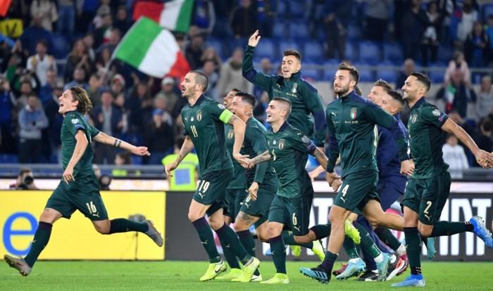 Italië als tweede land geplaatst voor EK, Spanje laat in extremis punten liggen