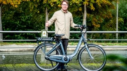 Danny uit Pelt krijg splinternieuwe e-bike dankzij Voor U Opgelost