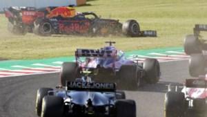 """Max Verstappen aangereden in start: """"Heel lomp van Leclerc"""""""