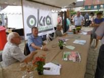 """Bestuur """"verkoopt"""" OKRA op de frUITmarkt"""