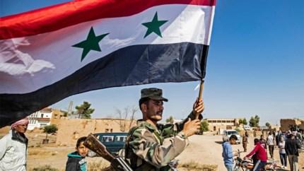 Syrische regeringstroepen naderen grens met Turkije