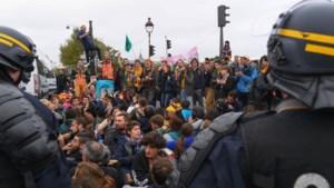 """Politievakbond eist gesprek met Brussels stadsbestuur: """"Linkse betogers mogen altijd meer dan rechtse"""""""