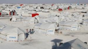 Bijna 800 vrouwen en kinderen van IS-strijders gevlucht uit Syrisch kamp