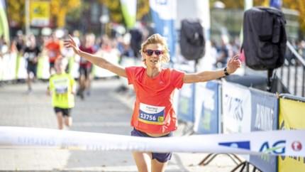 Ex-judoka Ann Simons wint plots in Dwars Door Hasselt: