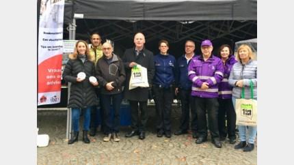 Campagne '1dagniet' gestart op de wekelijkse markt in Lanaken