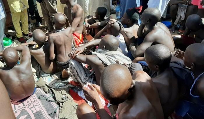 """""""Horrorhuis"""" ontdekt in koranschool in Nigeria: ruim 300 jongens vastgeketend en misbruikt"""