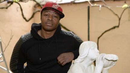 """Emile Mpenza kampte met depressie na afscheid van het voetbal: """"Ik had geen zin meer om mensen te zien"""""""