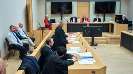 """Advocaten van slachtoffers en verdediging reageren na zelfmoord van Beaumont: """"Volstrekt onverwacht"""""""