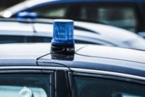 Breeënaar crasht en draait nummerplaten van achtergelaten auto
