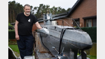Ex-Fordwerknemer bouwt duikboot voor film Torpedo