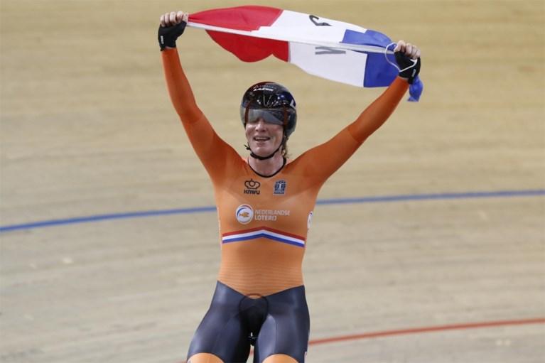 EK BAANWIELRENNEN. Nicky Degrendele uitgeschakeld in de sprint, goud voor Kirsten Wild in afvalling