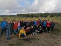 Leerlingen De Springplank maken boswandeling rond de Oudsberg