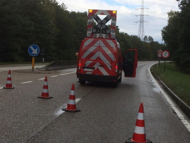 Gemeentelijk rampenplan afgekondigd na ongeval met vrachtwagen die toxische stoffen vervoert