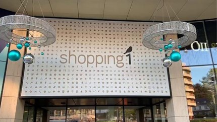 Nu al kerstdecoratie aan Shopping 1, en daar is een goede reden voor