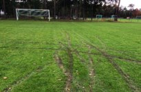 Joyrider vernielt jeugdterrein van Lommel SK