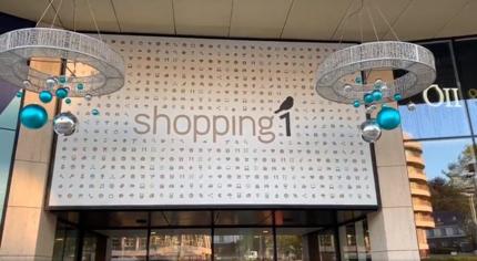 Kerstverlichting aan Shopping 1 is test