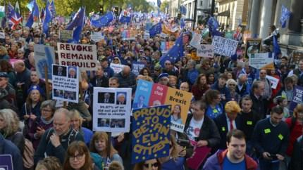 """""""Miljoen mensen op straat tegen Brexit"""""""