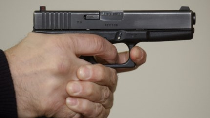 37-jarige Genkse vrouw bedreigd met vuurwapen in eigen huis