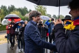 Ongeveer 120 Catalanen stappen van verblijfplaats Puigdemont naar Brussel