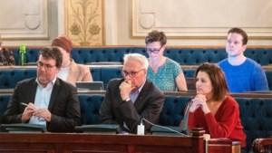 Antwerpse gemeenteraadsleden keurt fors verhoging van zitpenning goed