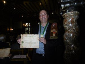 """Truiense fruitdichter wordt """"ridder"""" van de Hasseltse jenever"""