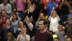 Murray wint en weent