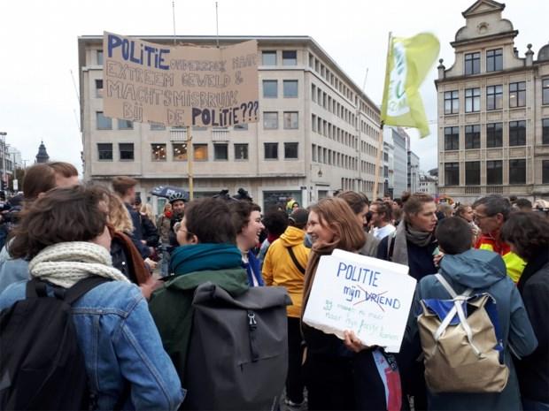 Betoging tegen politiegeweld op het Brusselse Albertinaplein