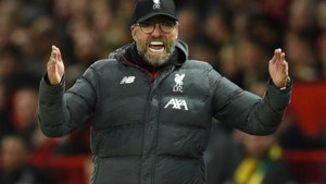 Liverpool-coach Klopp vervangt training door stadionwandeling in Genk