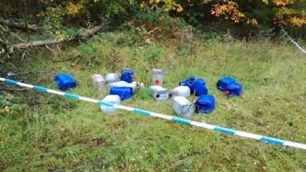 Op zes plaatsen in Lommel in totaal honderd vaten met drugsafval gedumpt