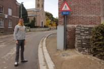 Kafka in Hoeselt: bewoners willen stoep zelf heraanleggen, maar mogen niet