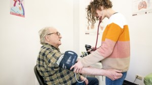 1 op 5 Belgen maakt zich zorgen dat hij dokter of medicijnen niet meer kan betalen, ook middenklasse ontsnapt niet
