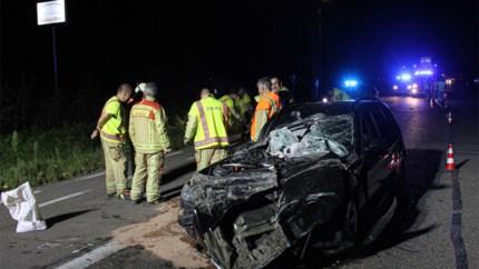 Auto perte totale na klap met tractor