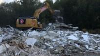 Garage afgebroken voor verkaveling met 16 huizen