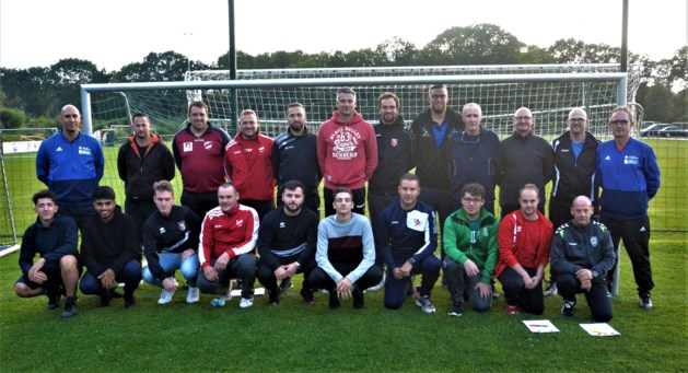Linkhout leidt jeugdtrainers op