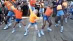 Kleine dansers gaan viraal met pittige flashmob op festival