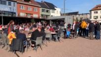 Liverpoolfans warmen zich op in het centrum van Genk en Hasselt