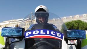 Man verschanst zich in Frans museum terwijl hij de politie bedreigt