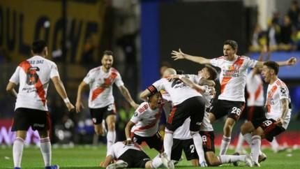 15 minuten vertraging door papiersnippers, maar River Plate haalt het in stadsderby van Boca Juniors en is eerste finalist van Copa Libertadores