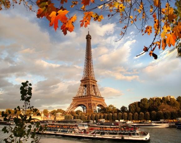Nieuwe bar opent… op de Eiffeltoren