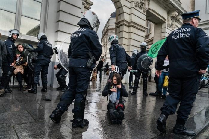 Tuchtprocedures opgestart rond politieoptreden tijdens klimaatprotest