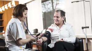 55 jaar Wit-Gele Kruis: op pad met zuurstofflessen en Engelse sleutel