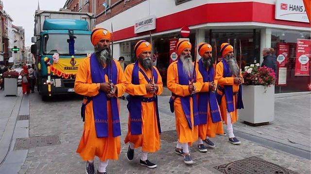 Sikhs uit heel België verzamelen in Sint-Truiden voor Nagar Kirtan