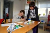 Jongeren verbeelden verhalen met Lego in de bib