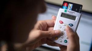 Politie waarschuwt voor oplichting via tweedehandssites en bankkaartlezers