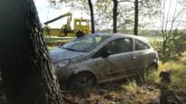 Auto gaat paar keer over de kop in Hechtel: een gewonde