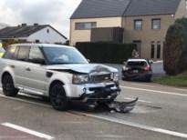 Twee gewonden bij kop-staartbotsing in Daaleindestraat